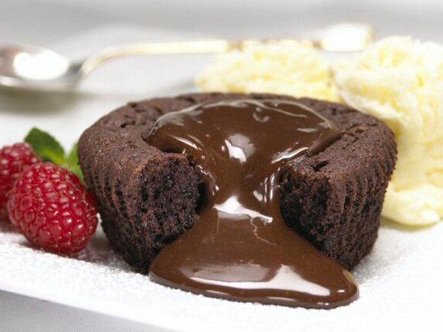 Lava-licious Fudge Cakes - Chocolate